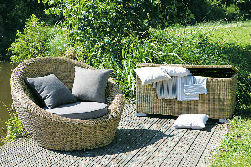 maisons du monde sort sa collection outdoor le mag. Black Bedroom Furniture Sets. Home Design Ideas
