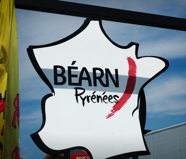 caravane tour de france bearn pyrénées blog lifestyle lemagalire
