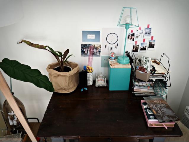 d co mon coin bureau dans le salon le mag lire. Black Bedroom Furniture Sets. Home Design Ideas