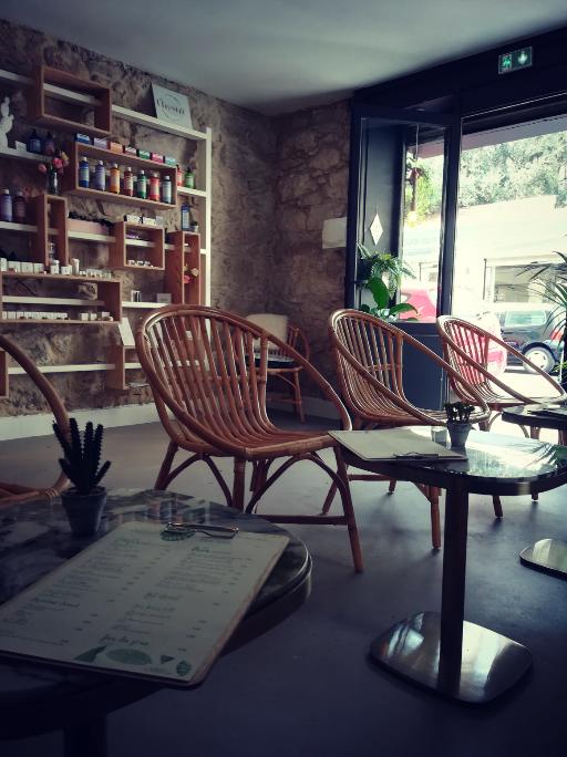 Appart 22 atelier beauté corner café